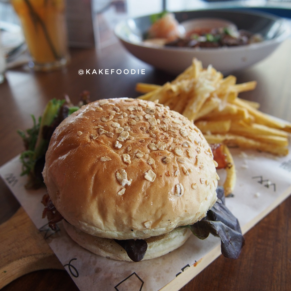 Coffee Rubbed Burger - IDR 100K++