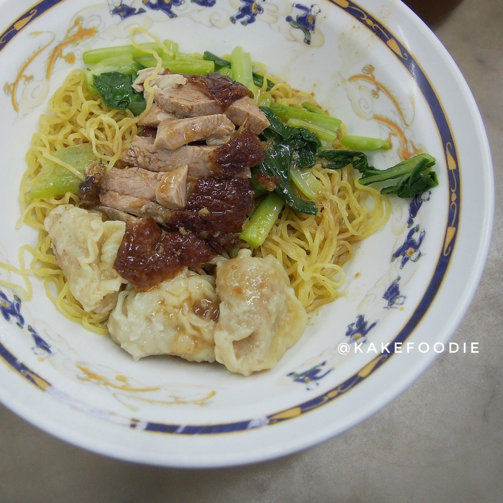 8. Egg Noodle with Roasted Duck and Shrimp Wonton - THB 90.