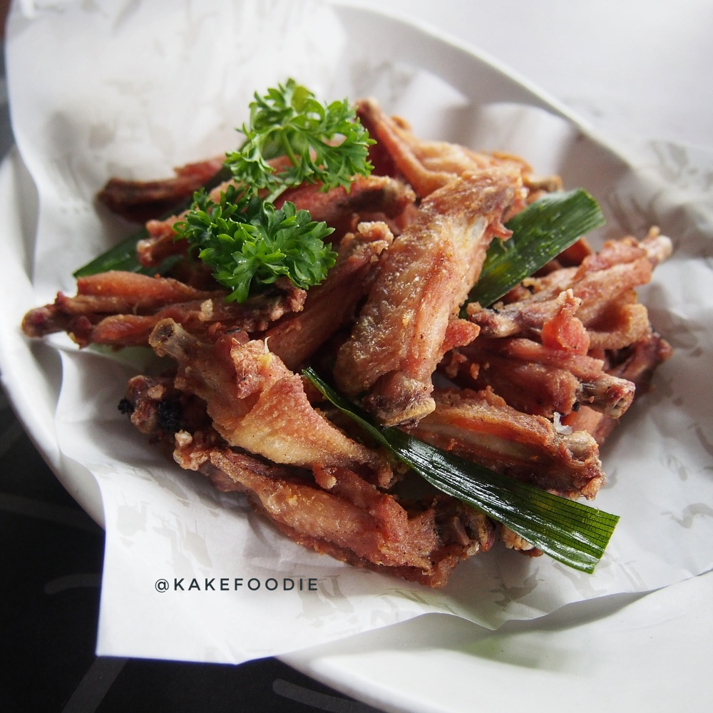 Greyhound Famous Deep Fried Chicken Wings - IDR 65K++